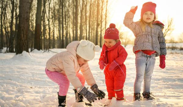 "Children playing ""Snow throw""."